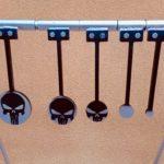 Portique «KYL» acceptant tous les gongs équipés de la platine «KYL»